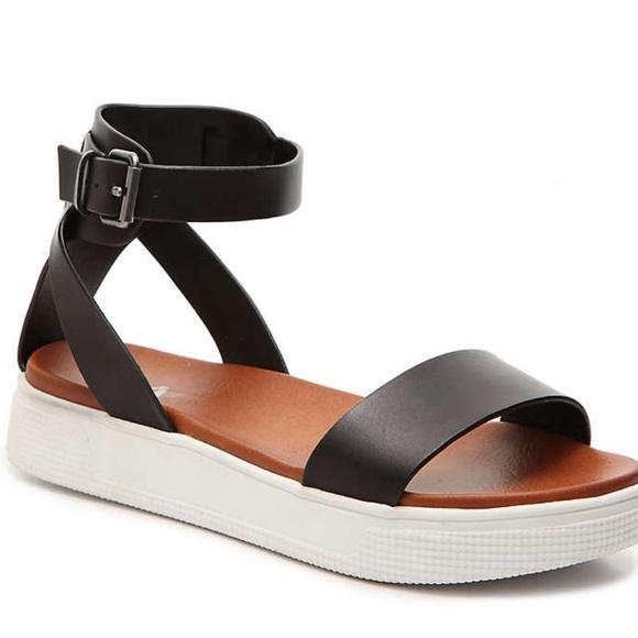 MIA Shoes | Ellen Platform Sandal
